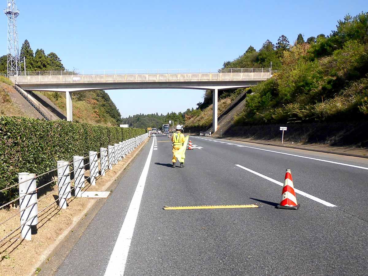 高速道路規制設置